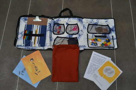 bolsa confeccionada com sobras de tecido da indústria de móveis