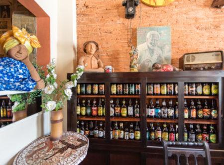decoração rústica e cervejas artesanais do espaço d'venetta