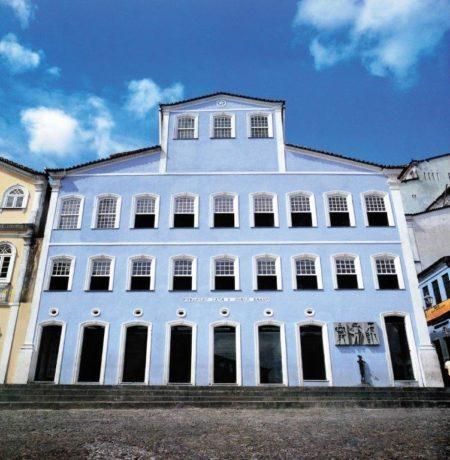 fachada do prédio fundação casa jorge amado no pelourinho