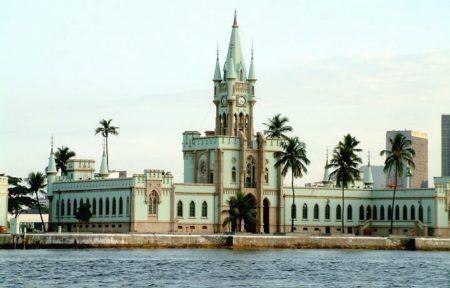 fachada da ilha fiscal no rio