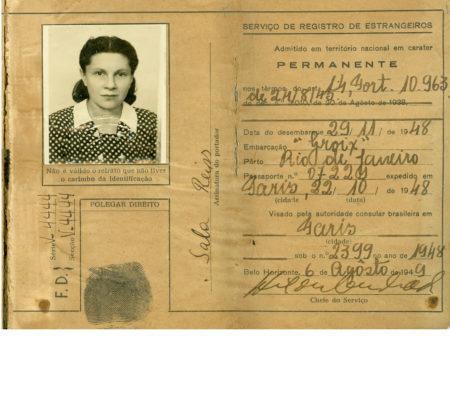 Carteira de Identidade para Estrangeiro emitida em nome de Sala Reiss no dia 04/01/1949, em Belo Horizonte/ MG, pelos Estados Unidos do Brasil com registro de nacionalidade apátrida