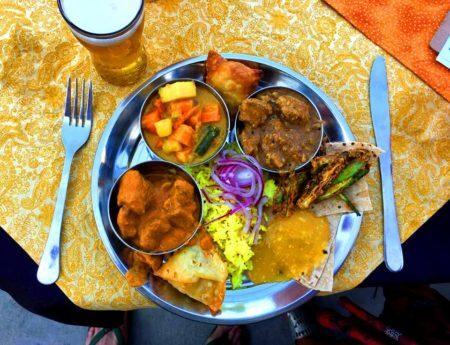 prato de comida indiana do the maze