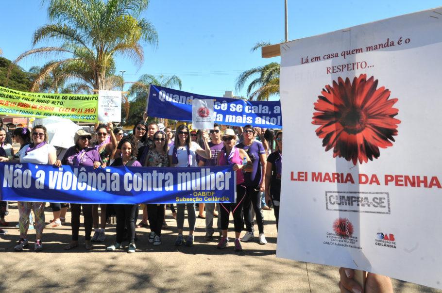 manifestação pelos 10 anos da Lei Maria da Penha