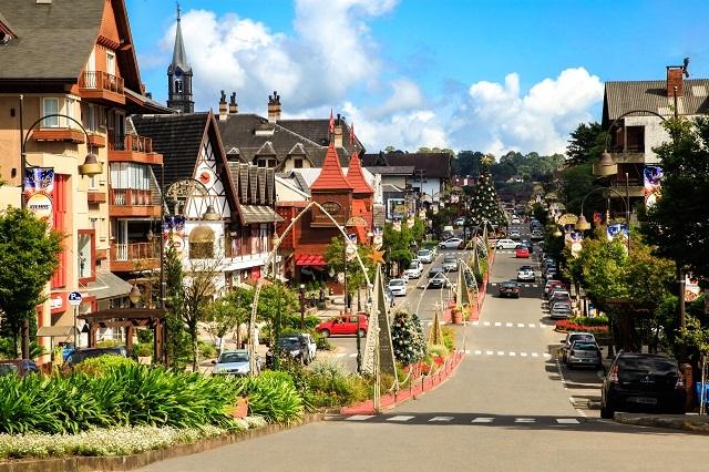 Gramado é a cidade ideal para conhecer no Natal, um dos feriados de 2020