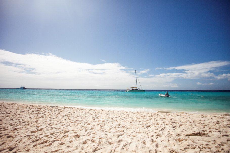 Klein Curaçao é um lugar imperdível. A exuberância da pequena ilha vale a travessia de catamarã que dura cerca de 2h