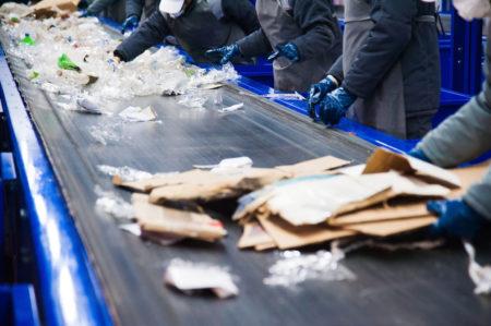 Fábrica de reciclagem do lixo