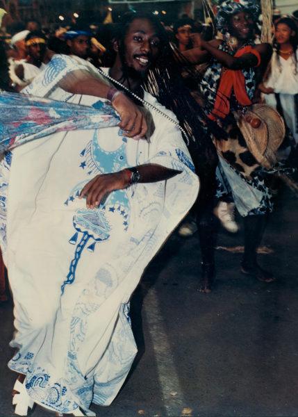 Augusto Omulu, coreórafo no Muzenza, bloco homenageado na mostra de cultura afro-brasileira na caixa cultural