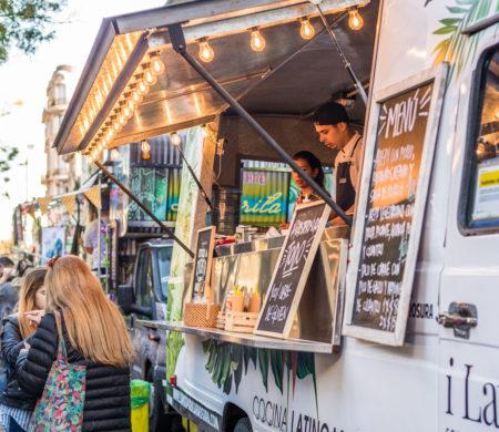 trucks em festival de gastronomia
