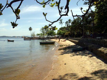 praia dos frades ilha de paquetá