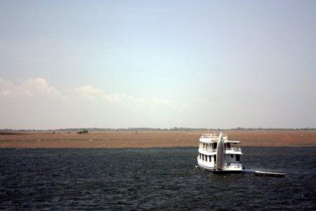 Encontro das Águas, fenômeno natural nos rios Tapajós e Amazonas, em Santarém, no Pará