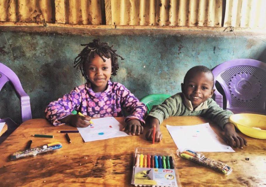 crianças do Quênia