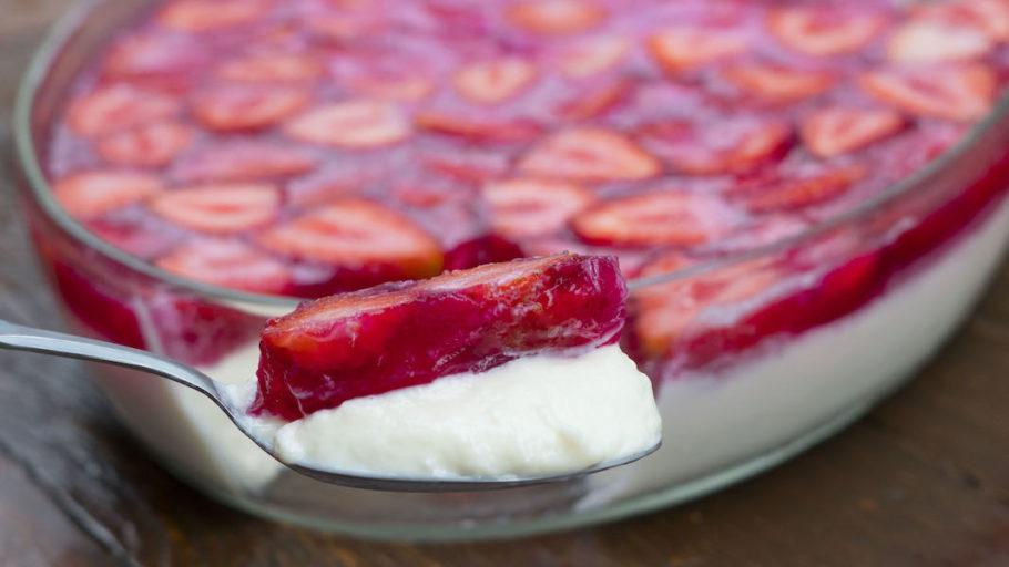 Mousse de morango com iogurte