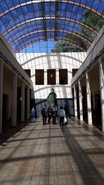 Visitantes na Oficina Cultural Oswald de Andrade