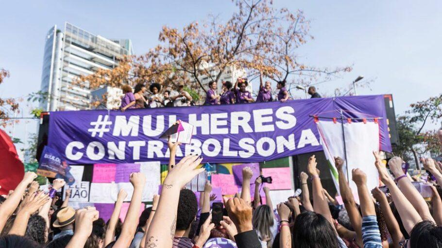 Protesto de mulheres contra Bolsonaro no período pré-eleitoral