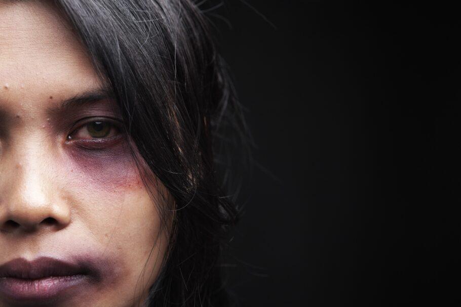mulher vítima de violência