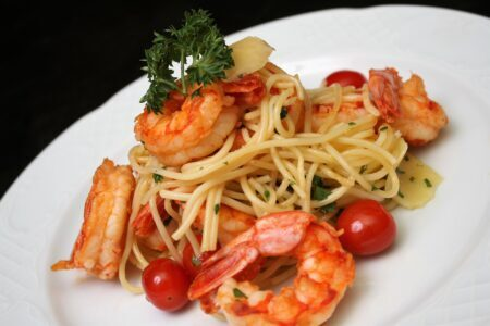 Spaghetti com Camarao e Parmesao
