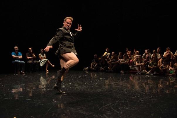 Teatro Cacilda Becker recebe duas companhias de dança contemporânea francesas