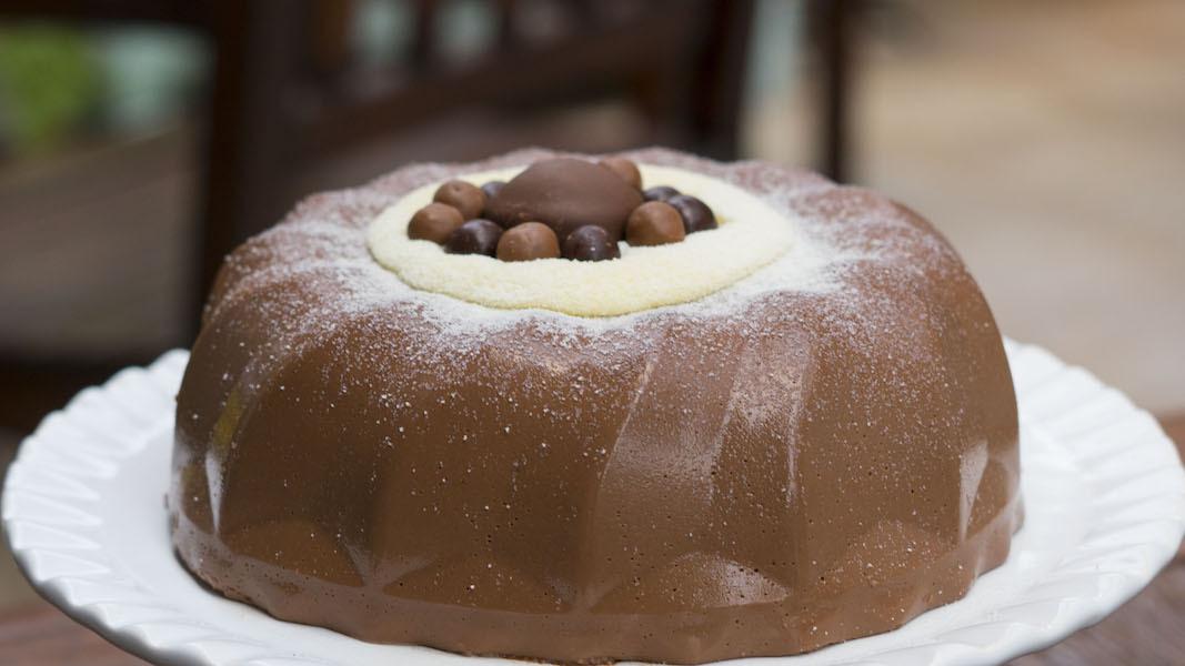 Pudim Gelado de Chocolate com Leite Ninho