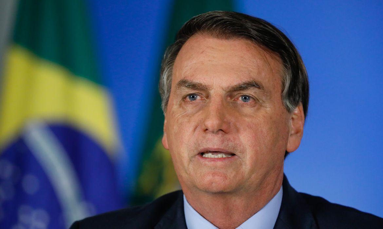 Bolsonaro diz que não é coveiro para saber número de mortos por ...