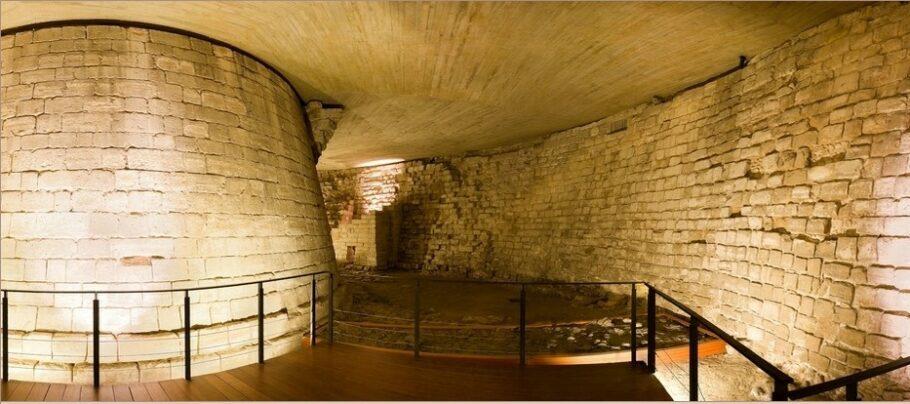 Museu do Louvre na Idade Média