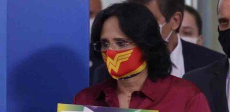 damares bolsonaro máscara