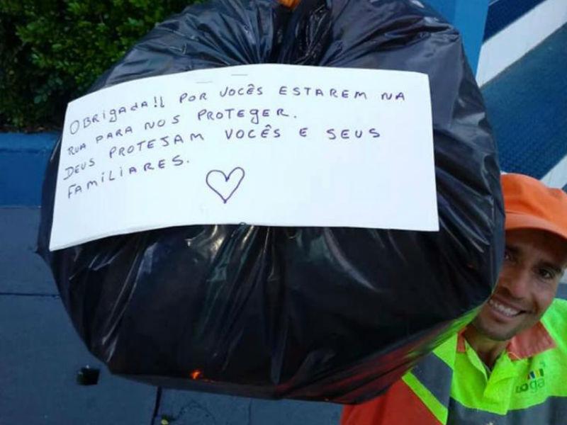 Coletores de lixo recebem mensagens de carinho da população em meio ao coronavírus