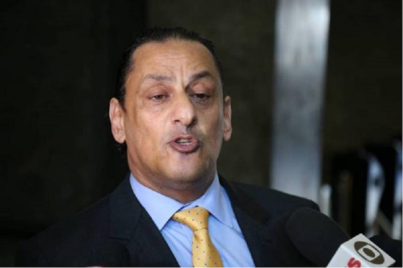 Advogado diz que guarda 'a sete chaves' provas 'que ninguém imagina' de sua relação com Bolsonaro
