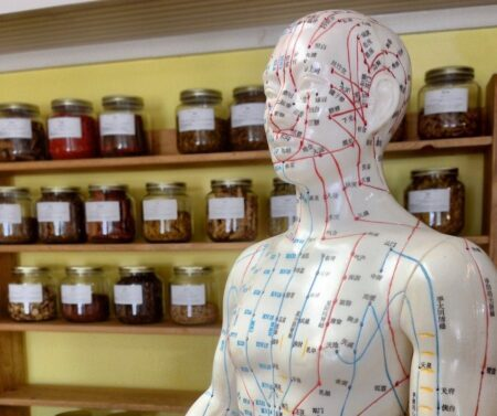 Acupuntura ajuda contra estresse, ansiedade e insônia na pandemia