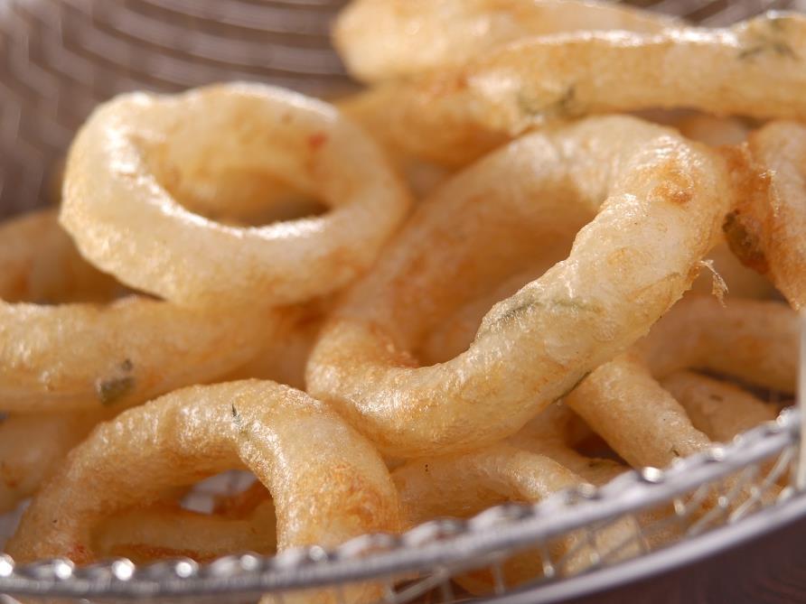 anéis de cebola fritos