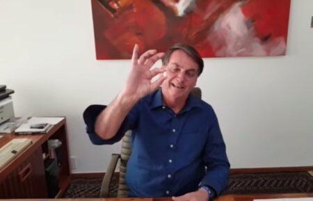 bolsonaro toma cloroquina em vídeo
