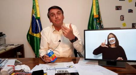 Bolsonaro se enrola ao defender uso da hidroxicloroquina contra covid-19