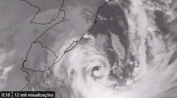 Reflexos de ciclone bomba causam ventos fortes em São Paulo nesta quarta
