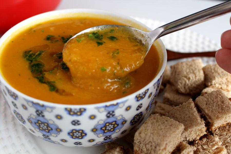 Sopa cremosa de cenoura