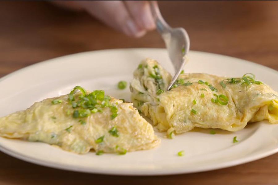 Omelete suculento da Paola Carosella