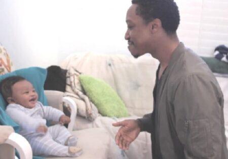 Pai faz batalha de rap com o filho de 5 meses e viraliza na web