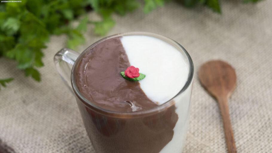 Chocolate Quente Mesclado: dois sabores em uma caneca