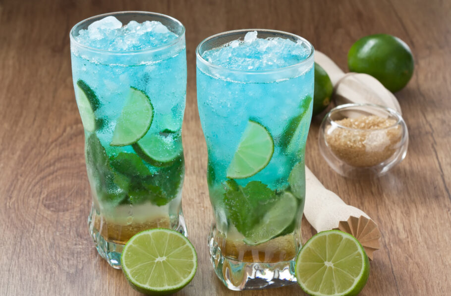 drink com gin azul