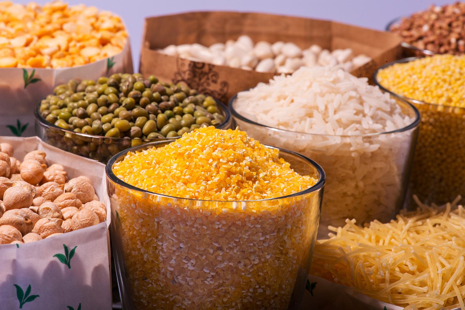 """Atualmente vistos equivocadamente como """"vilões"""", cereais como arroz, aveia e milho, são alimentos fontes de carboidrato"""