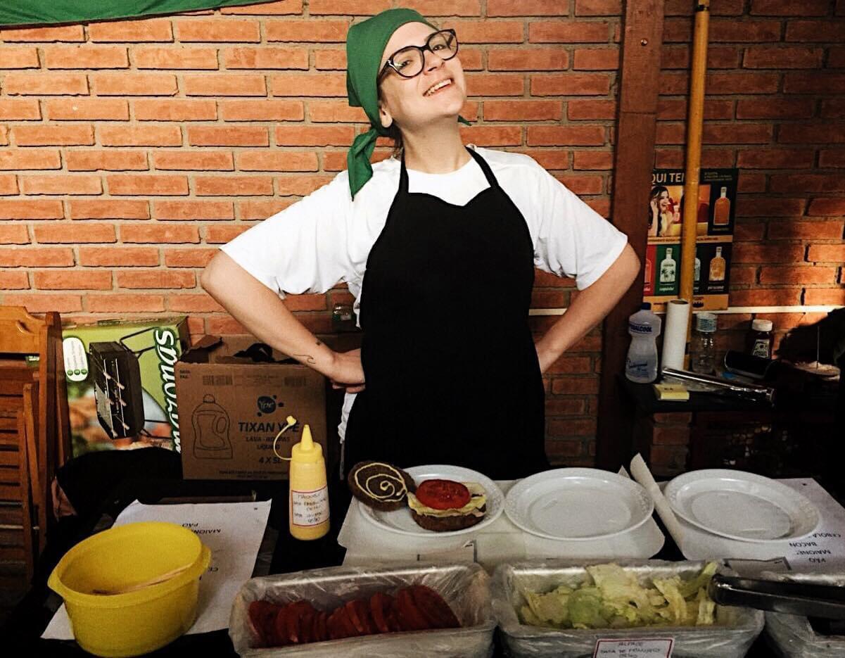 """A gastróloga Marina Monaco mudou a sua forma de ver a cozinha após uma cirurgia bariátrica. """"Isso me instigou e me mudou de tal forma que decidi cursar uma faculdade de gastronomia"""""""