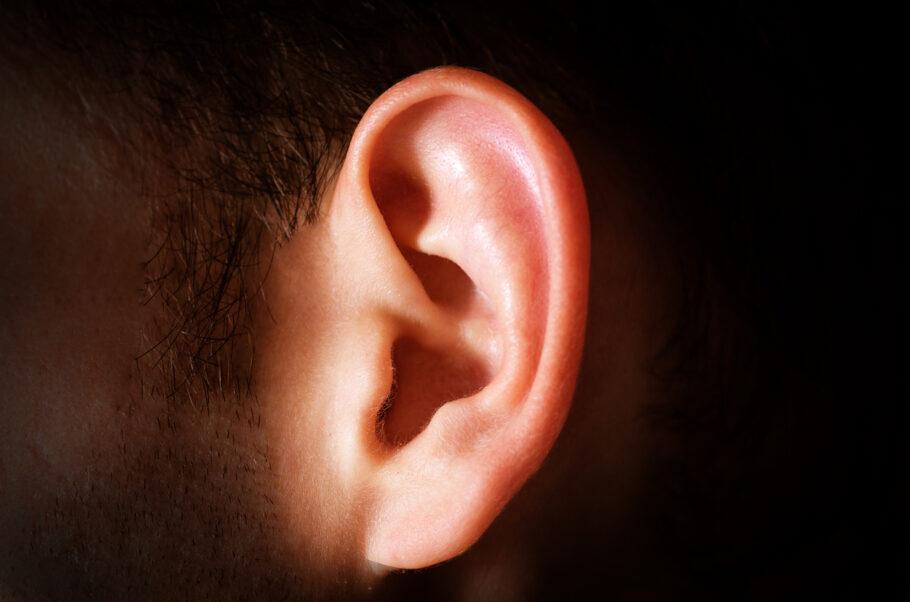 perda auditiva causada pela covid-19