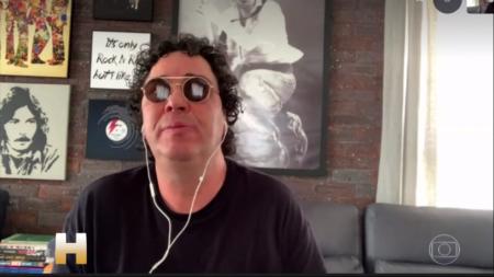 Casagrande se emociona ao falar de Maradona e da dependência química