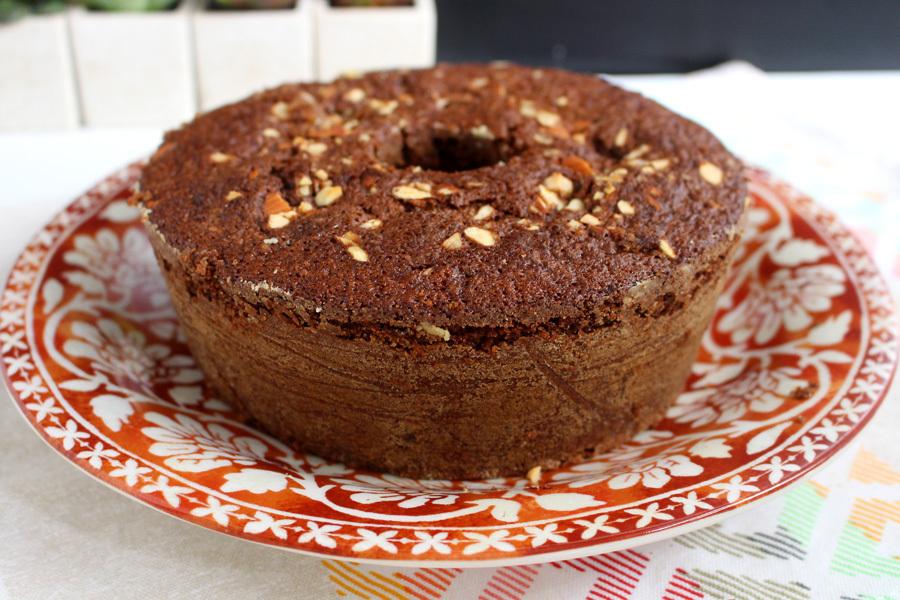 Bolo de chocolate com aveia sem farinha de trigo