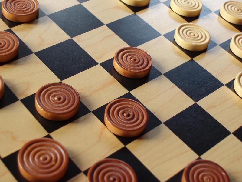 Assim como o xadrez, o jogo de damas também é uma modalidade dos esportes da mente