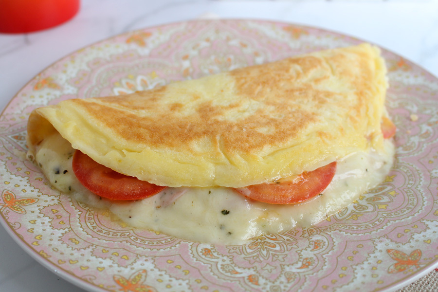 Pão de queijo misto quente na frigideira