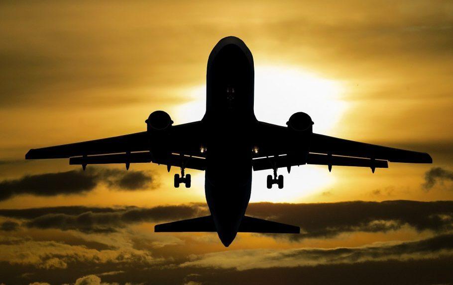 Como cancelar ou adiar passagem aérea em 2021
