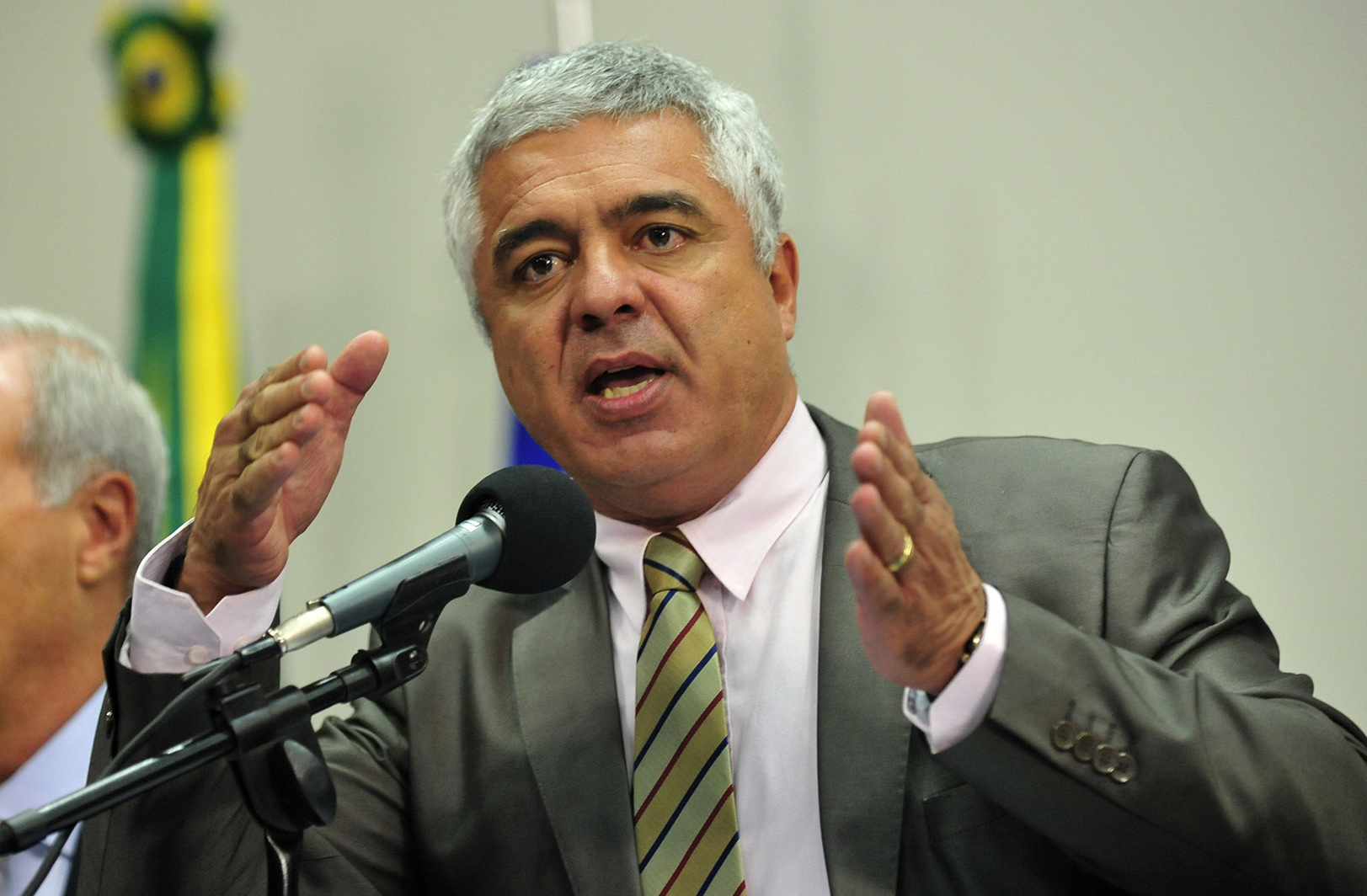 Com Covid-19, senador Major Olímpio é internado em SP