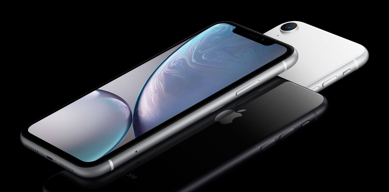 O iPhone XR, nas versões de 64 e 128GB, está custando a partir de R$ 3.399,00, utilizando o cupom da promoção