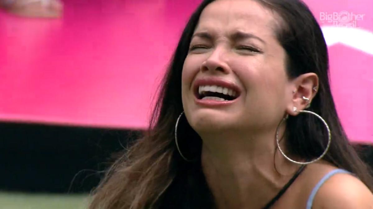 Juliette chorando