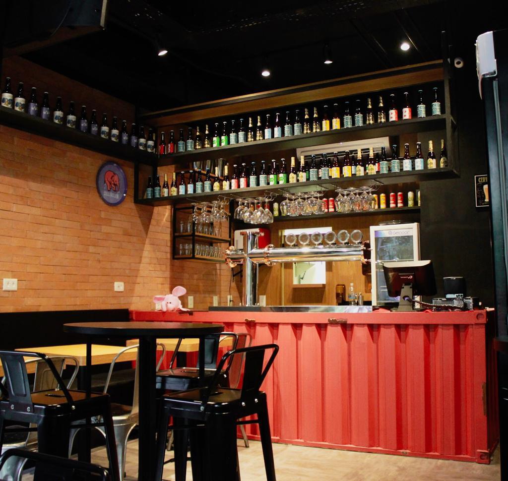 O trabalho da Insana tem sido muito requisitado para a decoração de bares seja no Rio e em SP