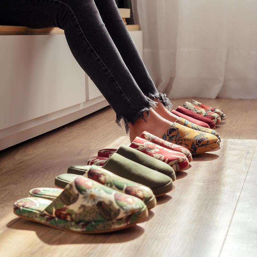 """""""Esperamos que num futuro breve nem exista mais essa divisão do que é moda sustentável e do que não é"""", sonha Bárbara Mattivy, cofundadora da marca"""